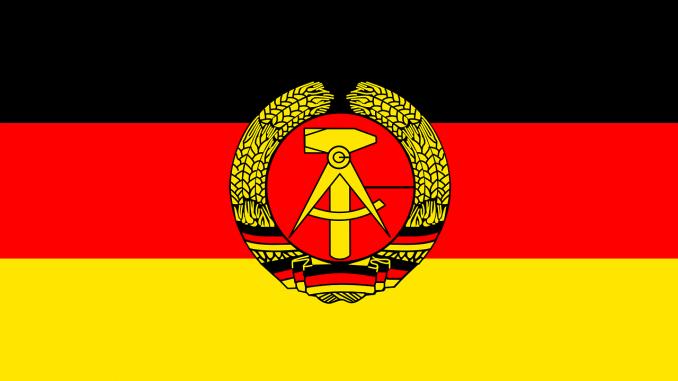 ddr flagge historischen nicht vorhanden europa, Quelle: Clker-Free-Vector-Images, Pixabay License Freie kommerzielle Nutzung Kein Bildnachweis nötig, https://pixabay.com/de/vectors/ddr-flagge-historischen-26865/