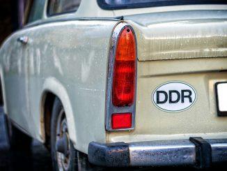trabant pkw auto trabi alt ddr oldtime, Quelle: Tama66, Pixabay License Freie kommerzielle Nutzung Kein Bildnachweis nötig https://pixabay.com/de/photos/trabant-pkw-auto-trabi-alt-ddr-2975738/