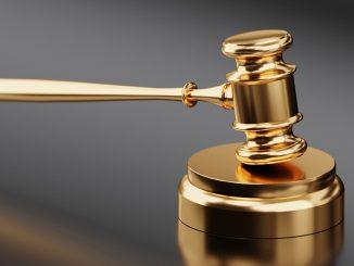 hammer waage gericht justiz recht gesetz, Quelle: QuinceMedia, Pixabay License Freie kommerzielle Nutzung Kein Bildnachweis nötig
