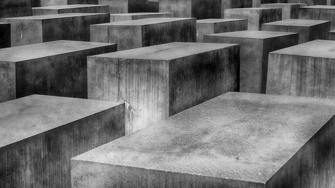 holocaust mahnmal berlin gedenkstätte, Quelle: 3093594, Pixabay License Freie kommerzielle Nutzung Kein Bildnachweis nötig