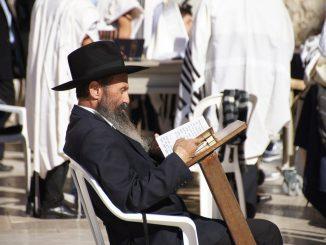jerusalem jüdische traditionellen juden jammern, Quelle: tdjgordon, Pixabay License Freie kommerzielle Nutzung Kein Bildnachweis nötig