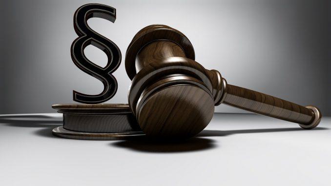 urteil richter richterhammer auktionshammer auktion, Quelle: TPHeinz, Pixabay License Freie kommerzielle Nutzung Kein Bildnachweis nötig