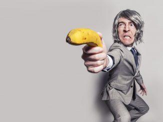 anzug geschäftsmann geschäft mann männlich person, Quelle: RyanMcGuire, Pixabay License Freie kommerzielle Nutzung Kein Bildnachweis nötig